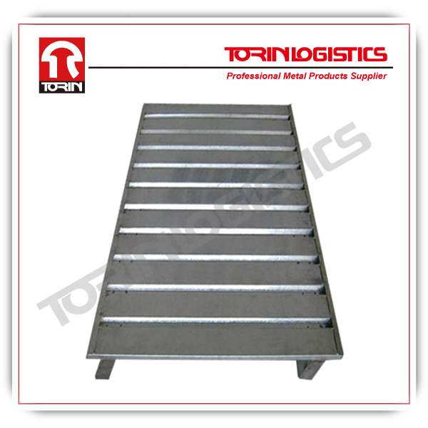 Heavy-duty steel container stacking pallet